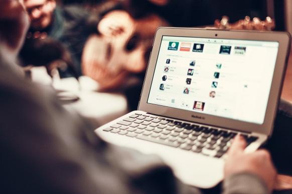 macbook-407126